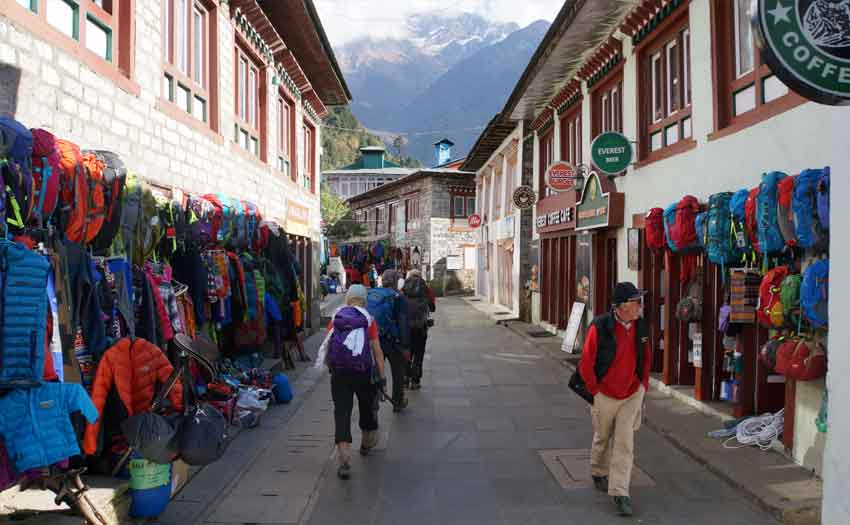 everest-base-camp-trek-red-carpet-journey